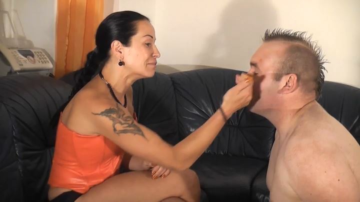 Senora El Combatiente In Scene: 100 Faceslapping - GERMAN DOMINAS / GERMANY FEMDOM - SD/404p/MP4
