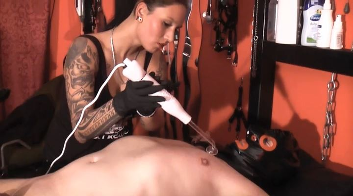 Queen Extreme In Scene: Electricity Cbt - GERMAN DOMINAS / GERMANY FEMDOM - LQ/SD/400p/MP4