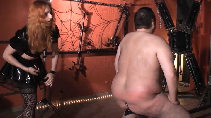 Lady Medusa In Scene: Fat Slaves Flogged - GERMAN DOMINAS / GERMANY FEMDOM - SD/404p/MP4