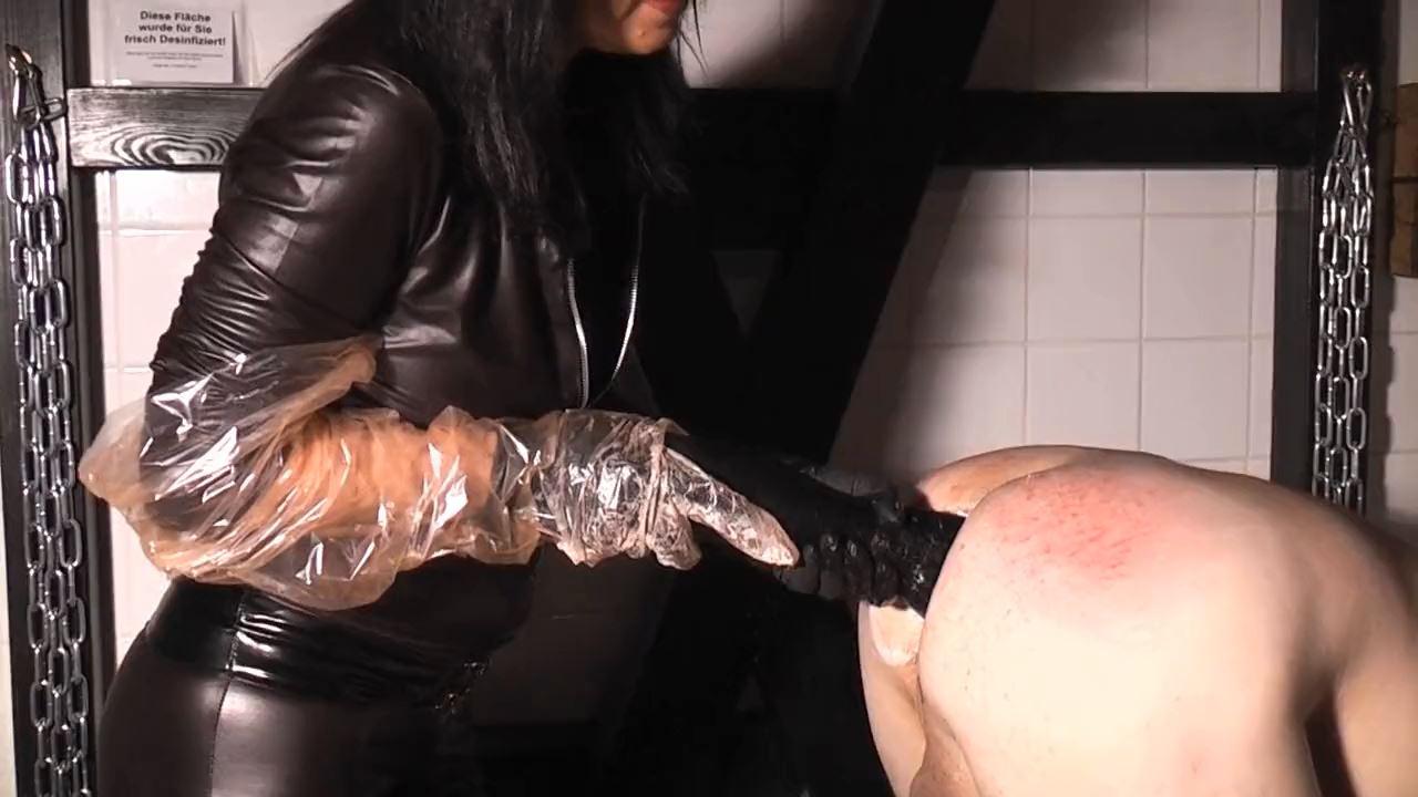 Blackcatress In Scene: Merciless Ass Treatment - GERMAN DOMINAS / GERMANY FEMDOM - HD/720p/MP4