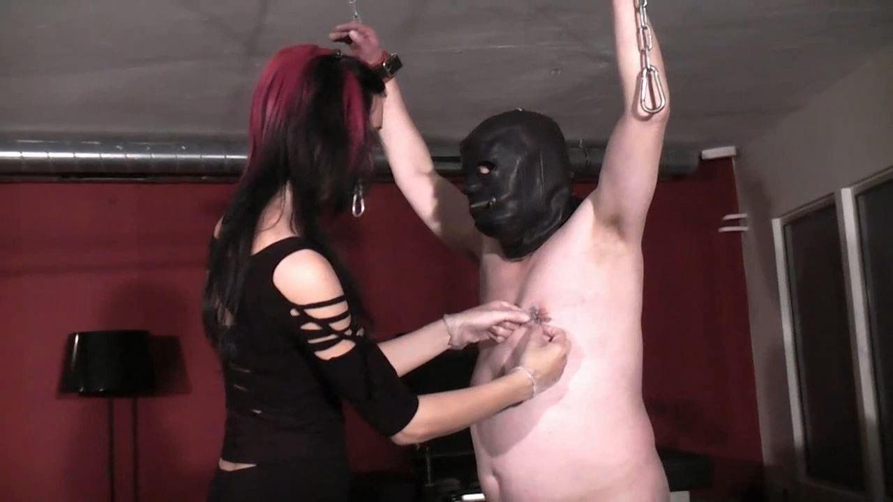 Domina Estelle In Scene: Nipples needled - DEUTSCHE DOMINAS / GERMANY FEMDOM - HD/720p/MP4
