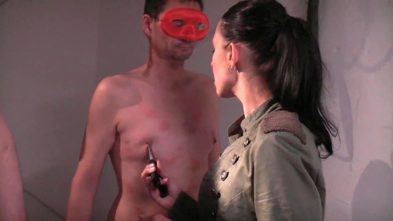 Mistress Valeria In Scene: Stinging nettle torture - DEUTSCHE DOMINAS / GERMANY FEMDOM - HD/720p/MP4