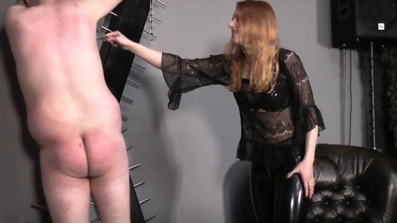 Lady Medusa In Scene: A jerk on the cross - GERMAN DOMINAS / GERMANY FEMDOM - HD/720p/MP4