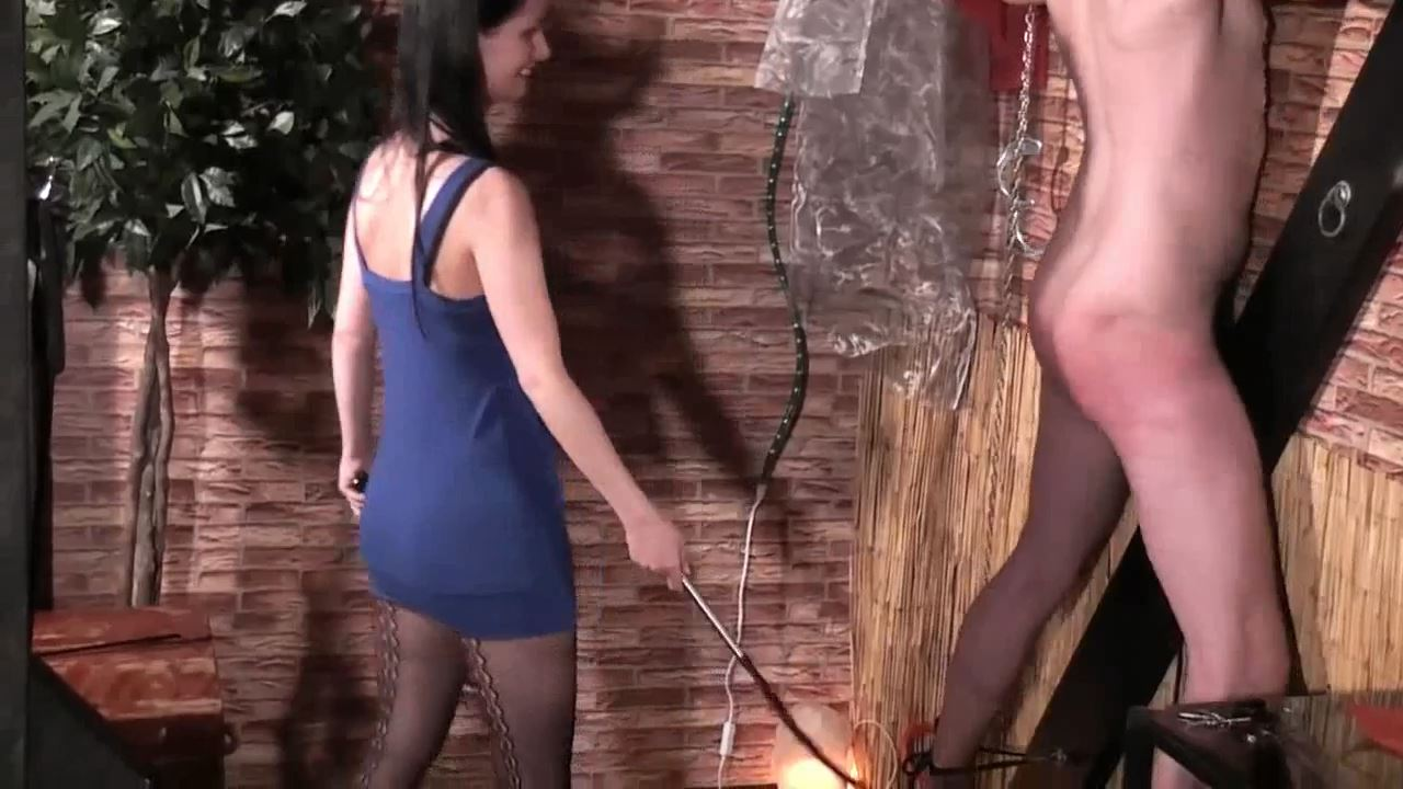 Lady Dooma In Scene: A slave to whip - GERMAN DOMINAS / GERMANY FEMDOM - HD/720p/MP4