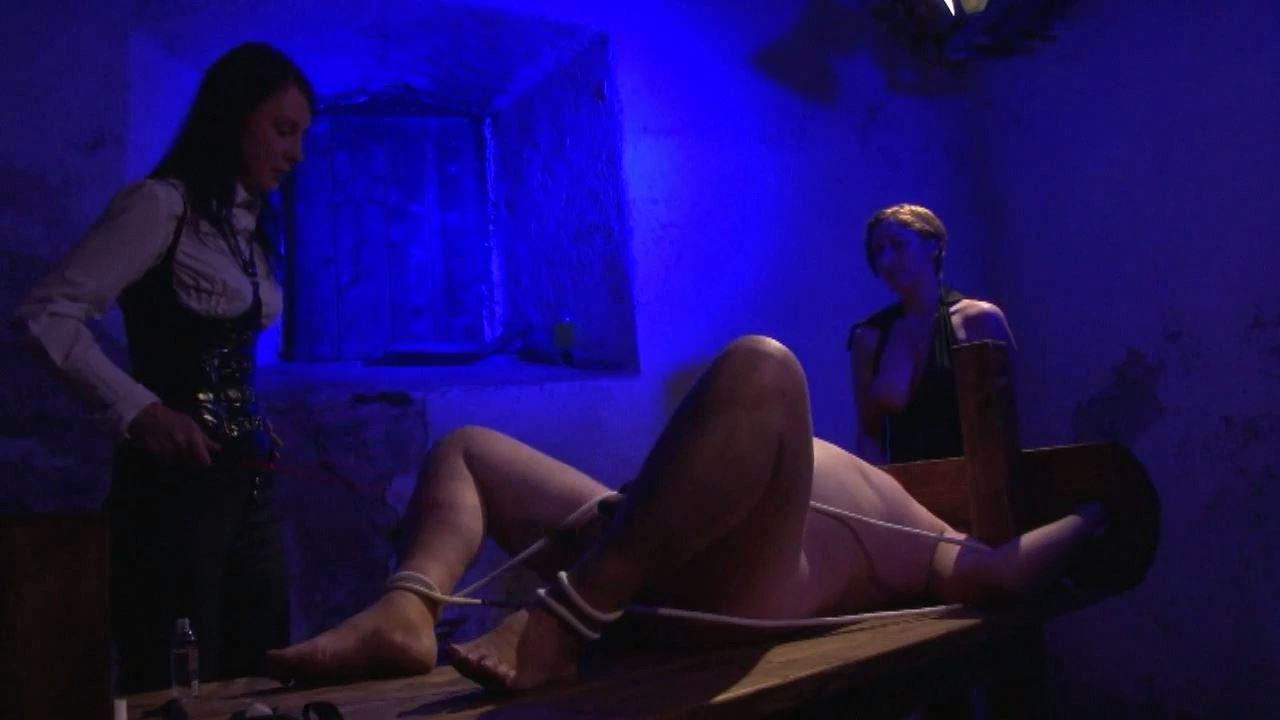 Lady Su In Scene: CBT III - GERMAN DOMINAS / GERMANY FEMDOM - HD/720p/MP4