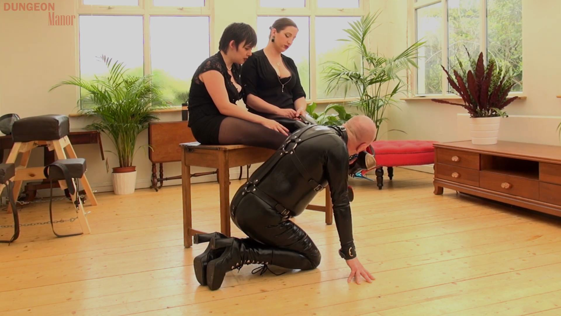 A dungeon Manor Production 390 - MISTRESS EVILYNE - FULL HD/1080p/MP4