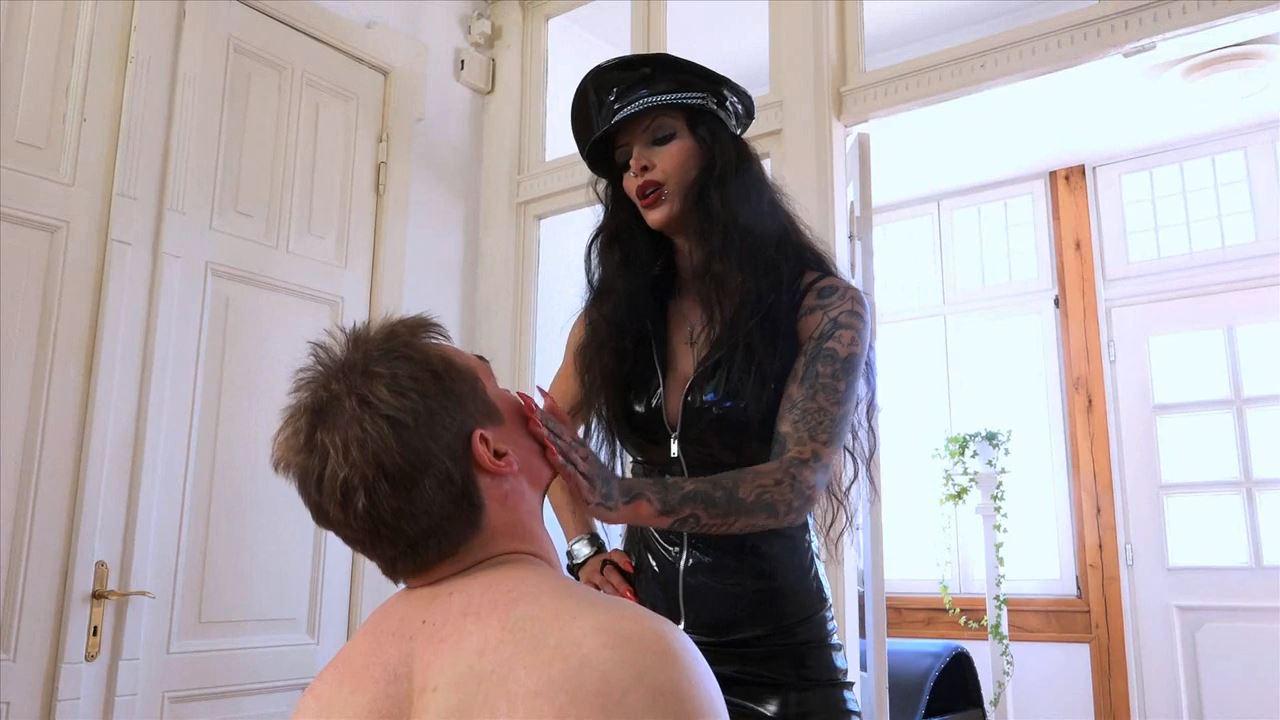 Domina Charlize In Scene: A Sadistic Faceslapping - SADO-LADIES - HD/720p/MP4