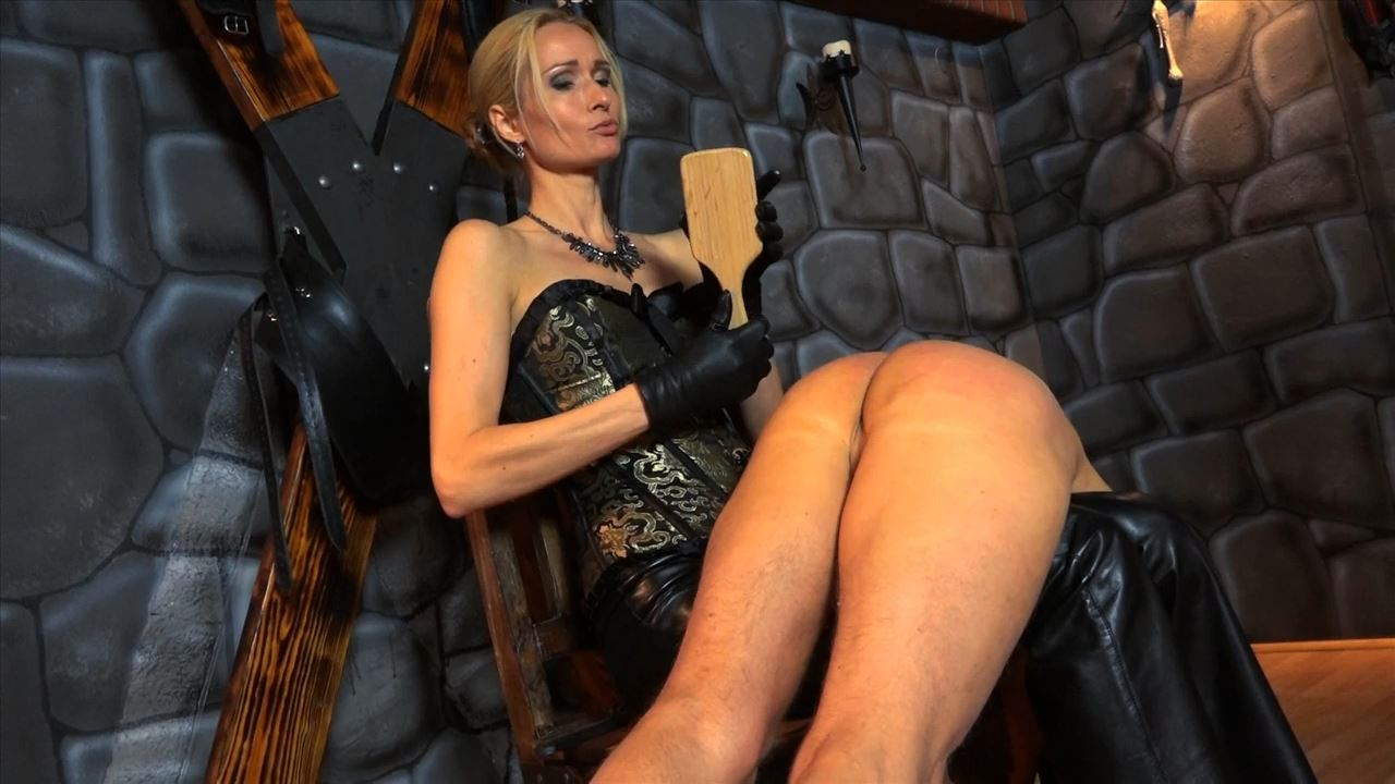 Empress Victoria In Scene: Overknee Spanking - SADO-LADIES - HD/720p/MP4