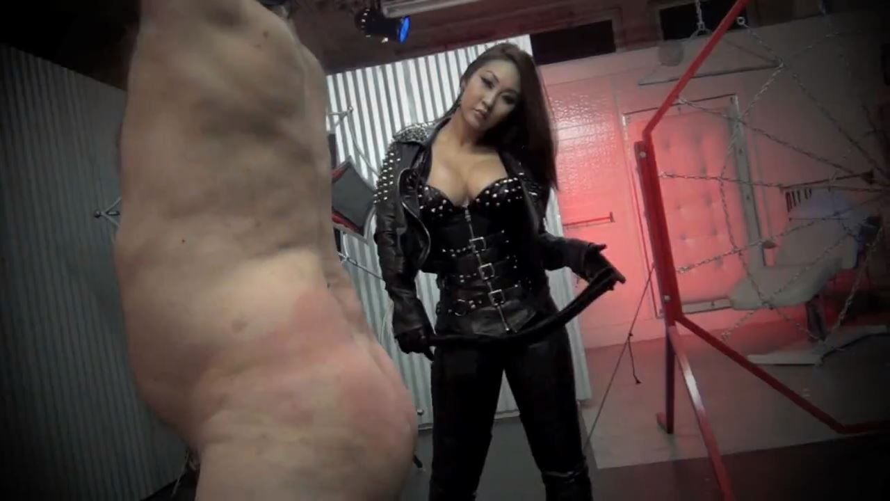 Queen Darla In Scene: LEATHER CLAD SADIST - ASIAN CRUELTY - HD/720p/MP4