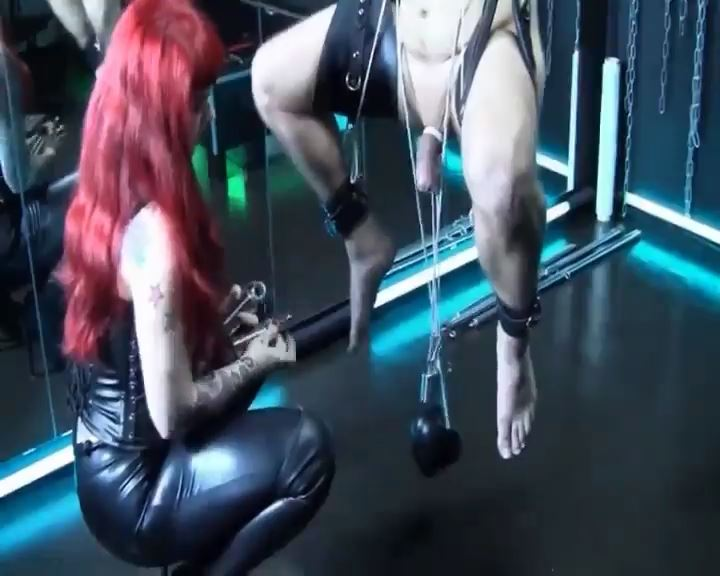 Weights on his balls - BRUTAL CBT - SD/576p/MP4