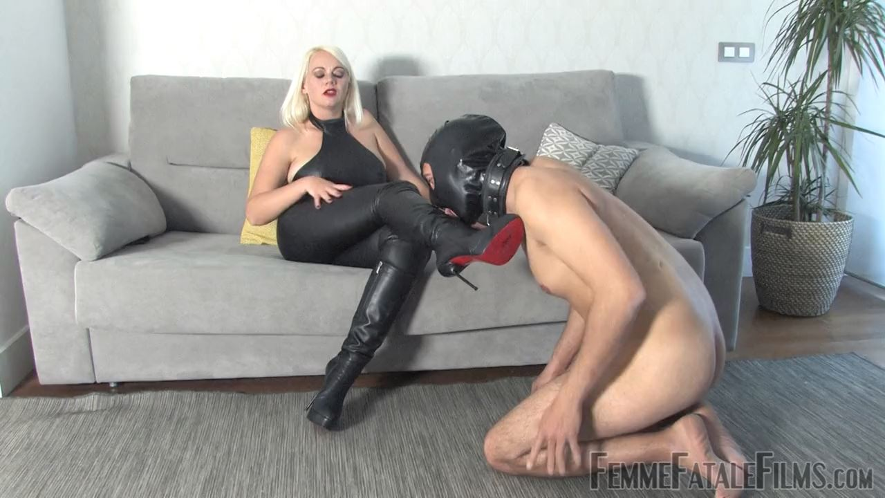 Divine Mistress Heather In Scene: First Time Busting - FEMME FATALE FILMS - HD/720p/MP4