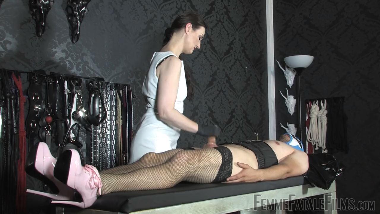 Lady Victoria Valente In Scene: Cum Control - FEMME FATALE FILMS - HD/720p/MP4