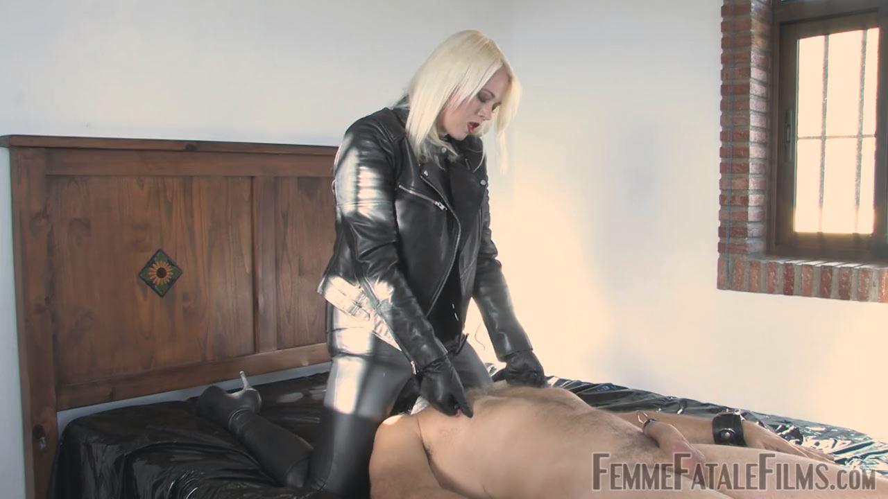 Featuring Divine Mistress Heather In Scene: Fatale Attraction - FEMME FATALE FILMS - HD/720p/MP4