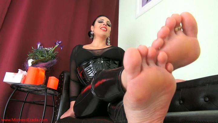 Mistress Ezada In Scene: Enticing you with just My feet - MISTRESS EZADA SINN - SD/406p/MP4
