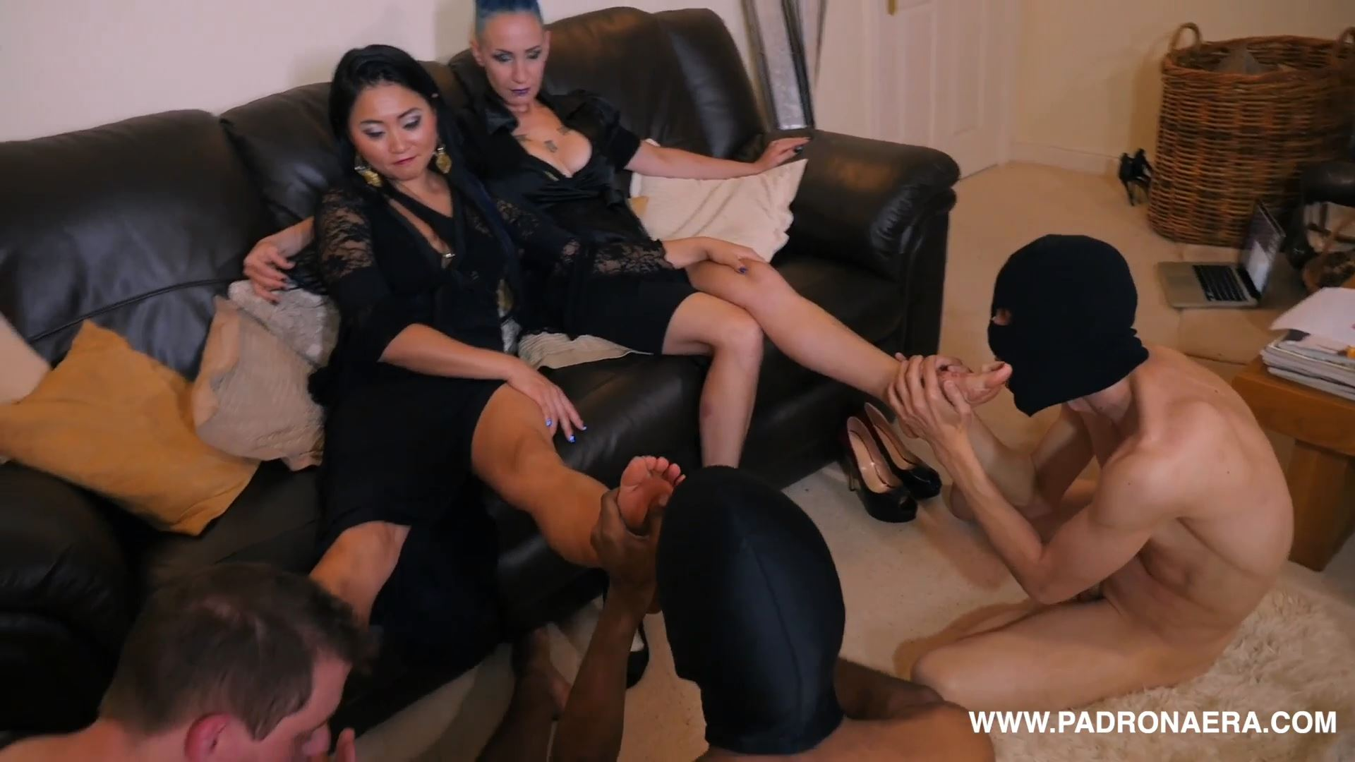 Giada Da Vinci In Scene: FOOT GAGGING COMPETITION IN THE LUXURY LOUNGE - PADRONAERA - FULL HD/1080p/MP4
