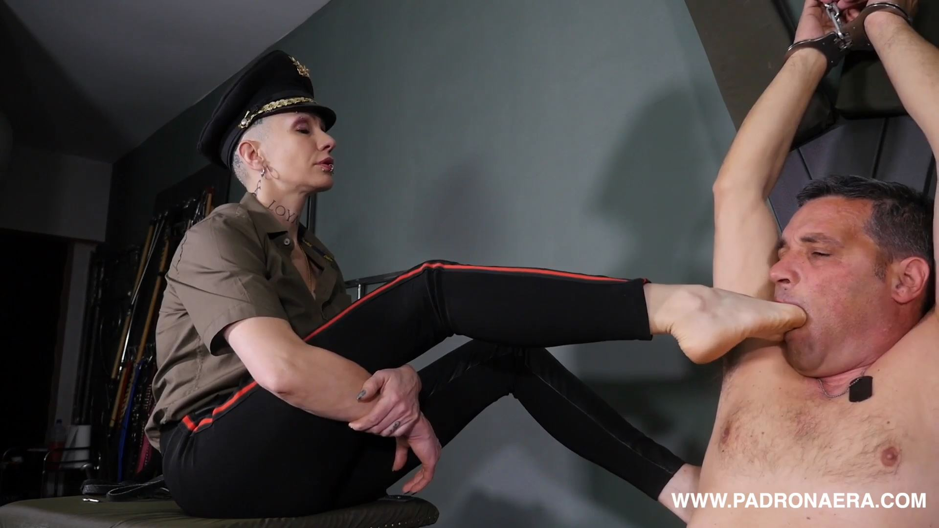 Giada Da Vinci In Scene: DESERTER PUNISHMENT PART TWO: CORPORAL PUNISHMENT - PADRONAERA - FULL HD/1080p/MP4