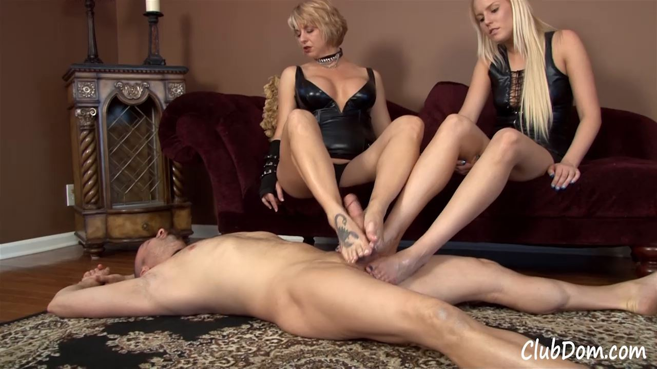 Goddess Brianna, Vanessa Cage In Scene: Foot Jerk Reward - CLUBDOM / RUTHLESSVIXEN - HD/720p/MP4