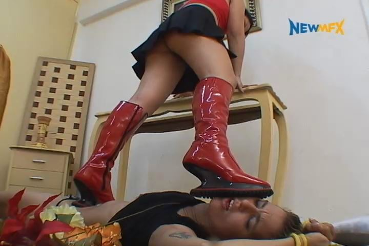 Iohana Alvez, Alessandra In Scene: ASTRONAUT TRAMPLING BOOTS - TRAMPLE IN BRAZIL - SD/480p/MP4
