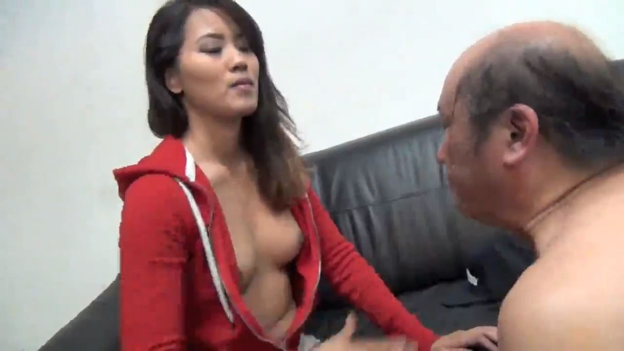 Goddess Angelina In Scene: SLAPPING SLAVE DAD - ASIAN MEAN GIRLS - HD/720p/MP4