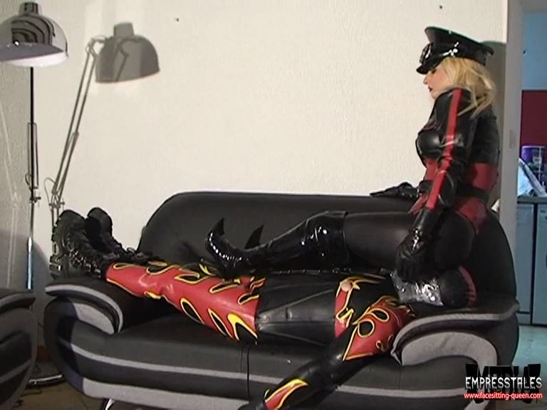 Mistress Kelly Kalashnik In Scene: EXTREME BREATH PLAY FOR MY RUBBER SLUT - FACESITTING-QUEEN - SD/576p/MP4