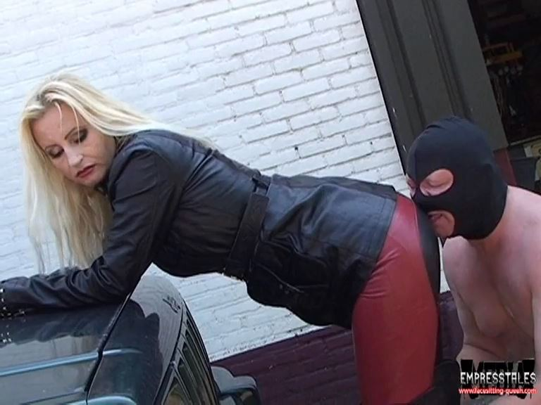 Mistress Kelly Kalashnik In Scene: YOUR TONGUE FOR MY LEATHER RIDING PANTS - FACESITTING-QUEEN - SD/576p/MP4