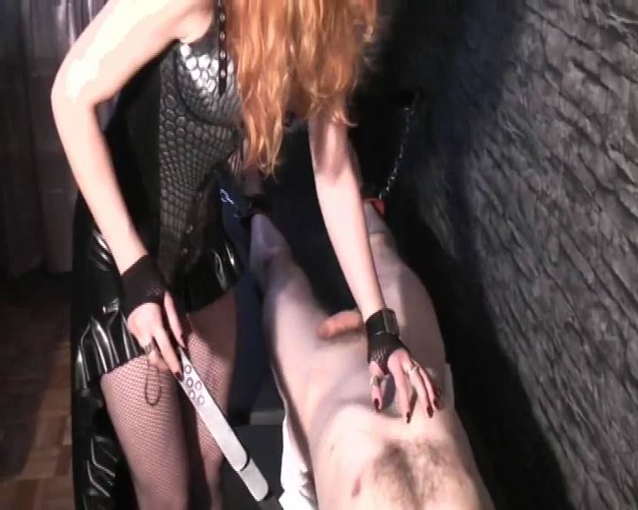 Lady Medusa In Scene: Fun On The Rack 2 - DEUTSCHE DOMINAS / GERMANY FEMDOM - SD/576p/MP4