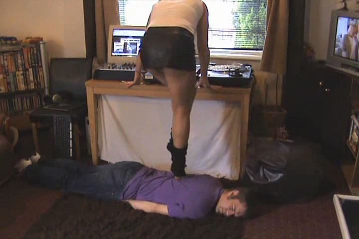 ALL IN A DAYS WORK, (SESSION IN FULL) - UK STOMP / TRAMPLE ANGEL - SD/480p/MP4