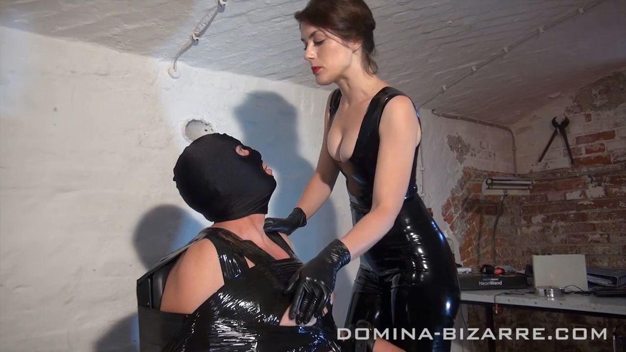 Domina-bizarre Bizarre dominatrix