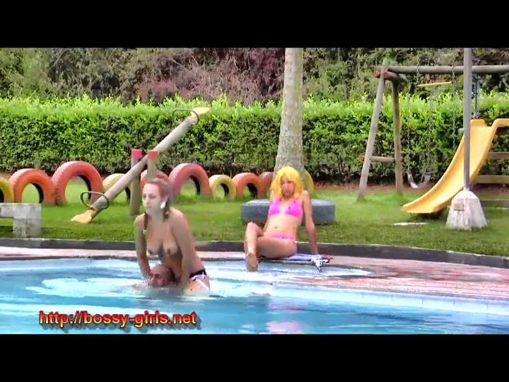 Vipers Nest 01 Splish Splash - BOSSY-GIRLS / GIRLSDOMINATION - SD/540p/MP4