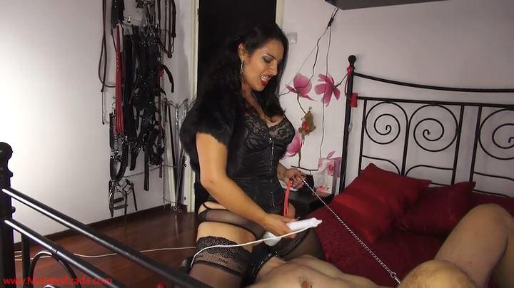 Mistress Ezada In Scene: I cum, he doesn't - MISTRESS EZADA SINN - SD/404p/MP4