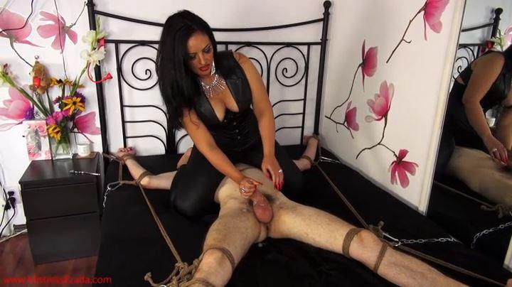 Mistress Ezada In Scene: Post-orgasmic agony - MISTRESS EZADA SINN - SD/404p/MP4