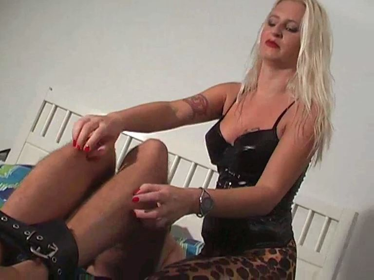 Mistress Kelly Kalashnik In Scene: Tickled till your last breath - KELLY-KALASHNIK - SD/576p/MP4