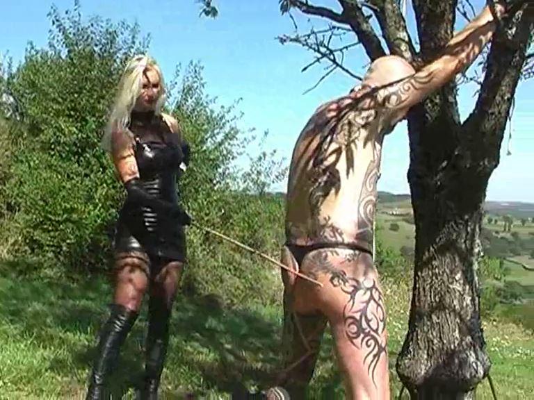 Mistress Kelly Kalashnik In Scene: Caning with a view - KELLY-KALASHNIK - SD/576p/MP4