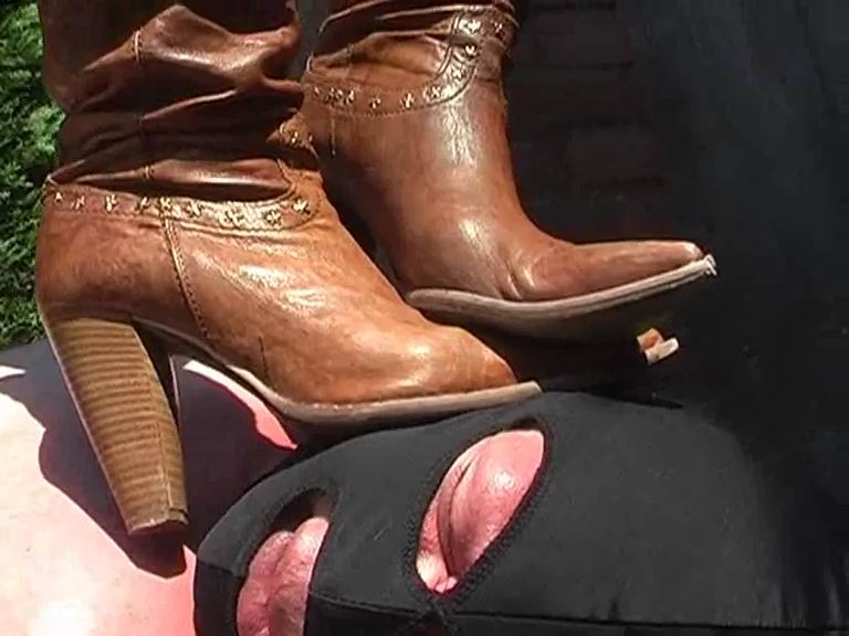 Mistress Kelly Kalashnik In Scene: High heels brown boots terror - KELLY-KALASHNIK - SD/576p/MP4
