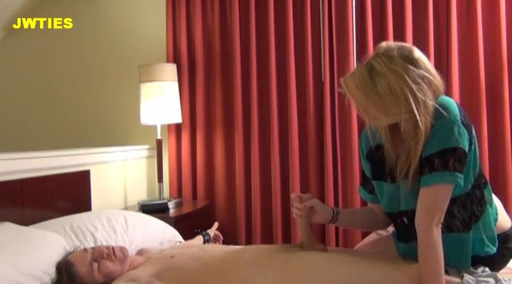 Girls Can't Drive - TICKLED AND ABUSED MALE - LQ/SD/400p/MP4