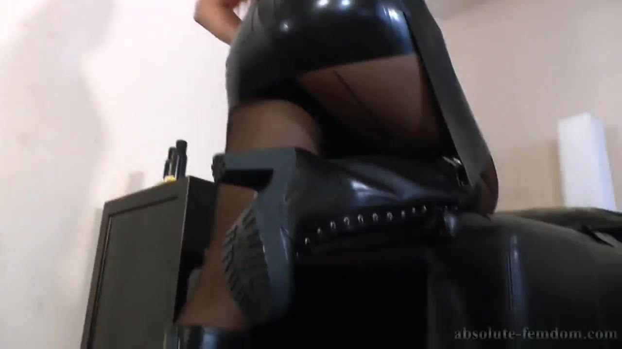 The Dominant Rubber Housewife POV - ABSOLUTE-FEMDOM - HD/720p/MP4