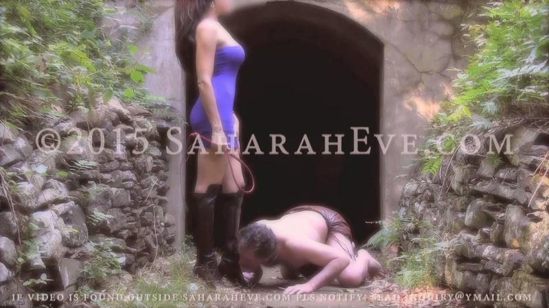 Domme Saharah In Scene: Nothingness Vid - SAHARAH EVE - SD/450p/MP4