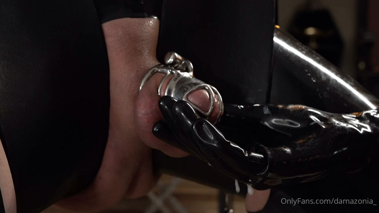 I Tried My New Slubb Milking Toy On Top Of The Cage - MISTRESS DAMAZONIA - HD/720p/MP4