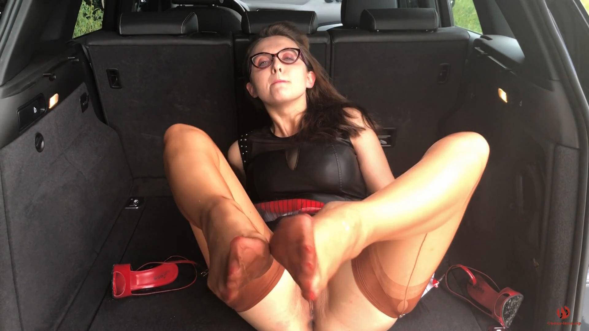 Fetish Model Lena In Scene: Seamed Nylon Stockings & Red Killer Heels - SEXY LENA VIP - FULL HD/1080p/MP4