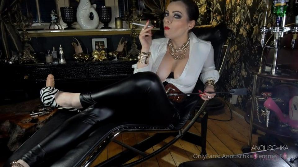 Smoking Domination In Leather Leggings - ANOUSCHKA FEMME FATALE - HD/720p/MP4
