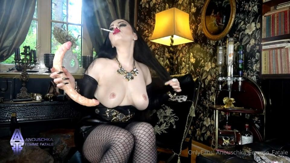 Sexy Smoking Saturday - ANOUSCHKA FEMME FATALE - HD/720p/MP4