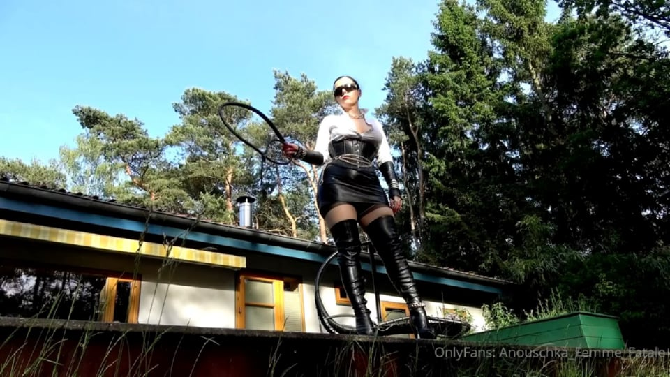 Me And A Bullwhip. Which Slave Is Next - ANOUSCHKA FEMME FATALE - HD/720p/MP4