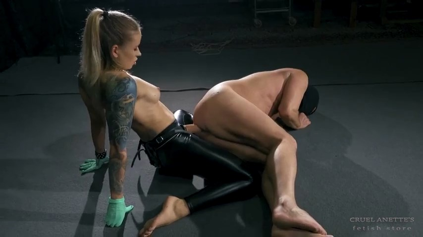 Fucking the slave on the floor - CRUEL ANETTES FETISH STORE - SD/480p/MP4