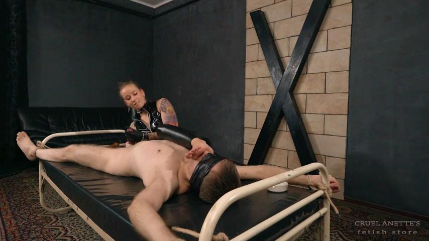 Perverse punishment - CRUEL ANETTES FETISH STORE - SD/480p/MP4