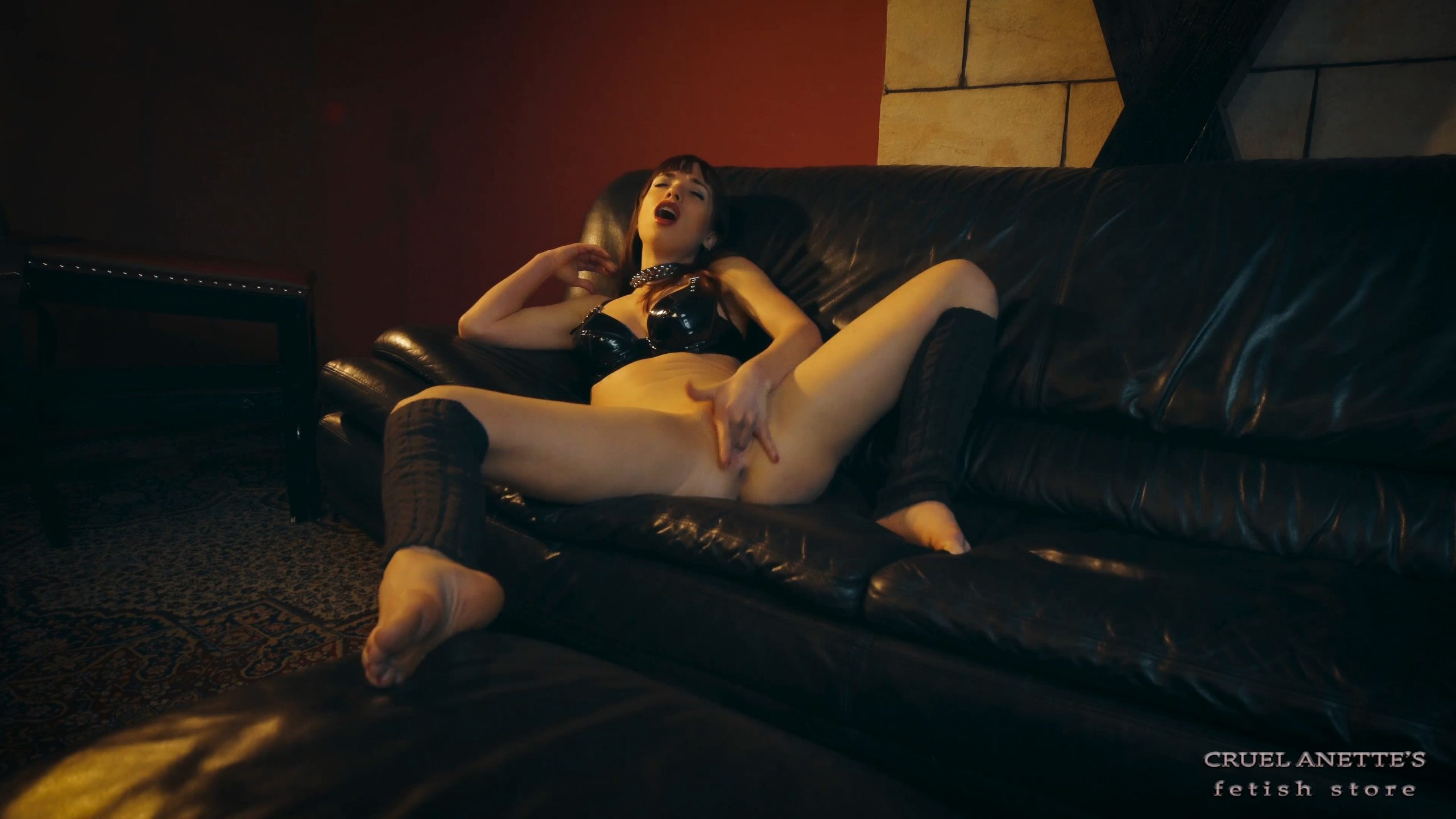 Moaning Nina - CRUEL ANETTES FETISH STORE - FULL HD/2160p/MP4