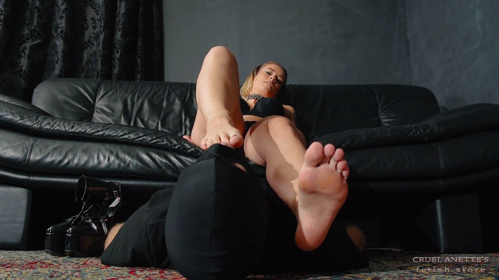 Lick my soles - CRUEL ANETTES FETISH STORE - FULL HD/1080p/MP4