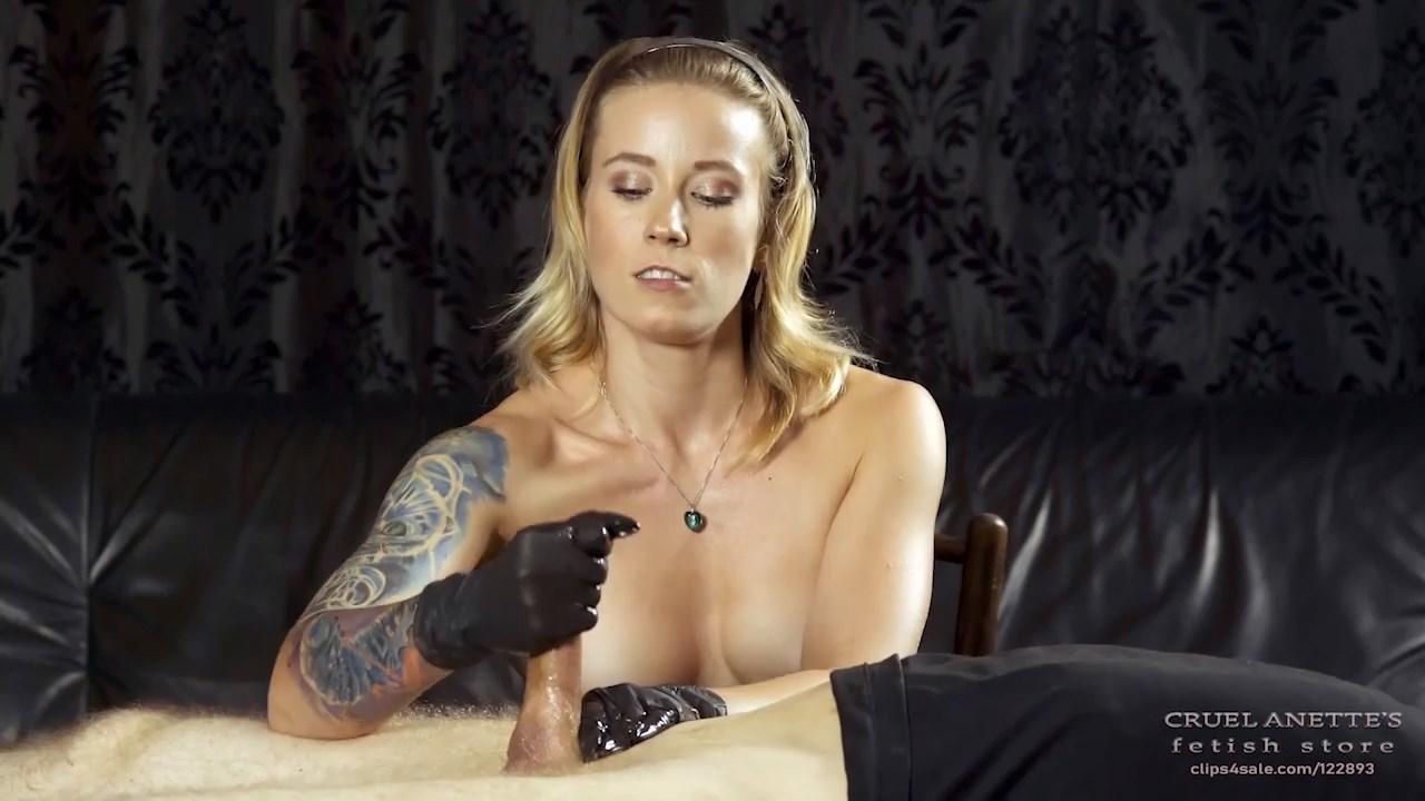 Trembling slave - CRUEL ANETTES FETISH STORE - HD/720p/MP4