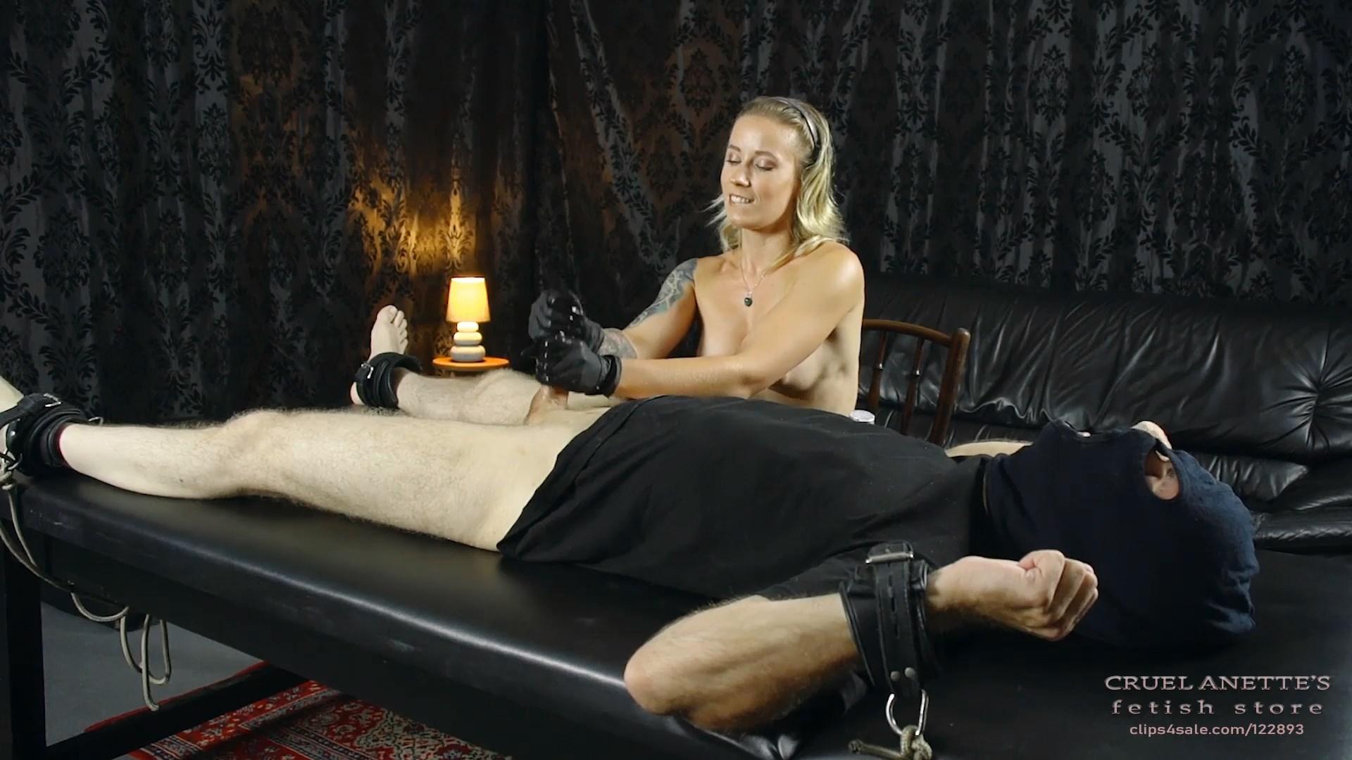 Trembling slave - CRUEL ANETTES FETISH STORE - FULL HD/1080p/MP4