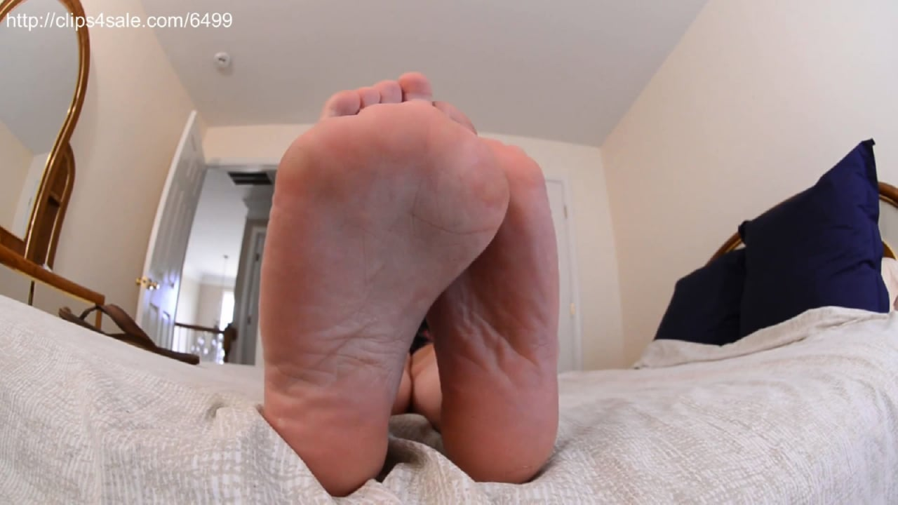 Bratty Blonde Flip Flop Humiliation - GIANTESS FETISH VIDS - FULL HD/1080p/MP4