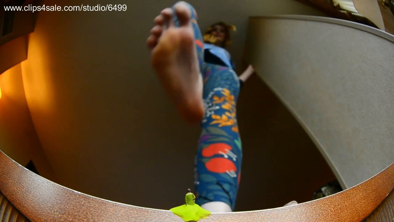 Puny woman trapped in gum when NB comes by - GIANTESS FETISH VIDS - HD/720p/MP4